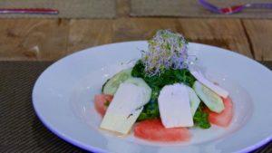 Ensalada de Sandía Fresca, con albahaca, menta, pepino y queso feta
